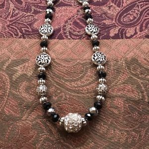 Jewelry - Handmade Beaded Necklace